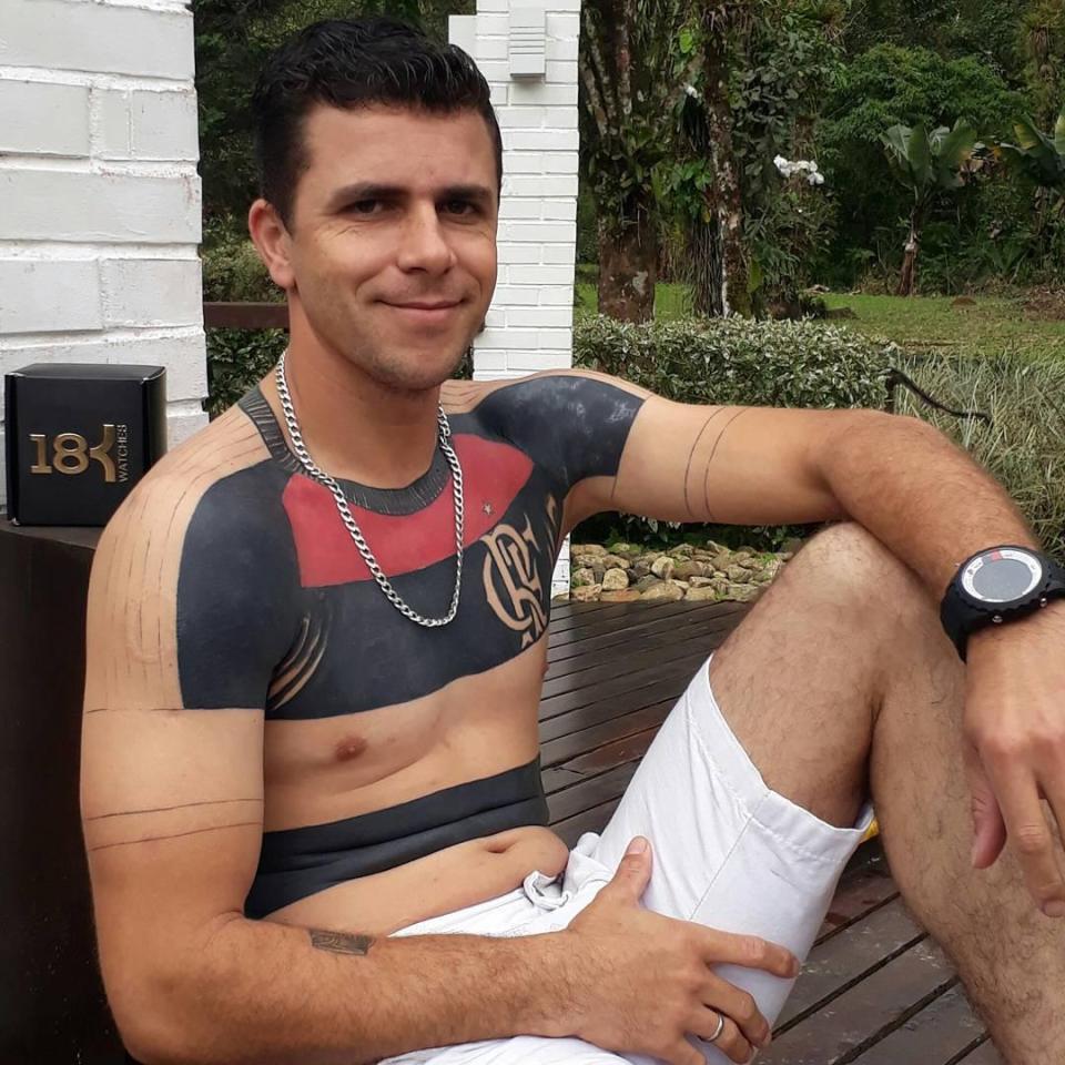 62f1e33d4 Football superfan loves his team so much he tattooed their home ...